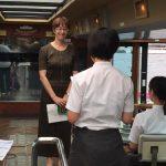 ヨーコ ゼッターランドが東京湾船上で修学旅行生と交流。不安解消法の助言も